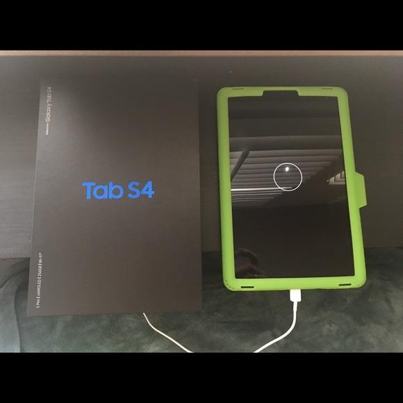 Galaxy Tab S4 NWT